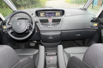 Armaturenbrett-Citroën-Grand-C4-Picasso-HDI-165