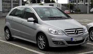 Mercedes-Benz_B_180_(T_245,_Facelift)_–_Frontansicht,_10._Juli_2011,_Velbert